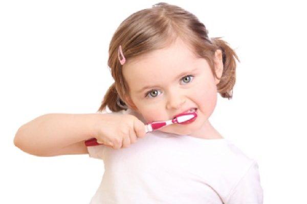 Cara Merawat Gigi Bayi Dengan Benar