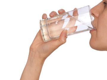 Berat Badan Turun Hanya Dengan Minum Air Hangat