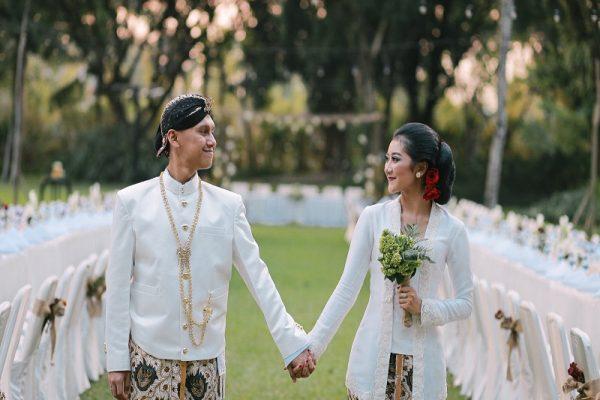 Wujudkan Pernikahan Romantis Dengan Gaya Rustic