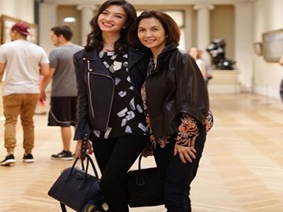 Gaya Traveling Seru Raline Shah dan Najwa Shihab, Pilih Mana
