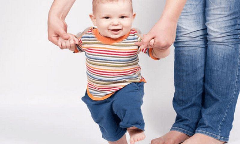 Tandanya Bayi Anda Mulai Siap Belajar Berjalan